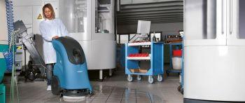 уборка поломоечной машиной Fimap производственных помещений